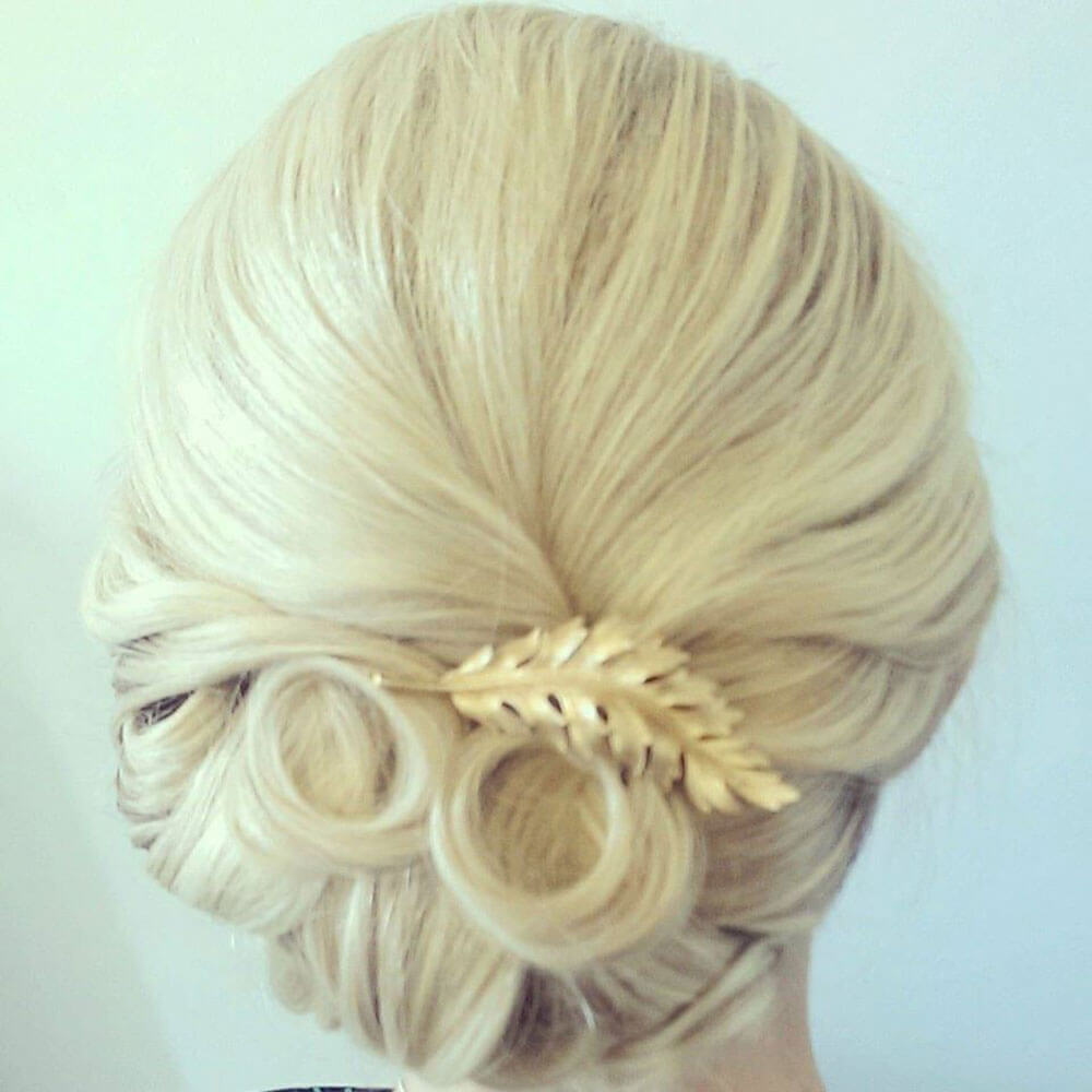 bridal hair with vintage comb